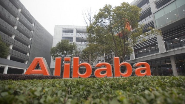 Trump Teams Up With Alibaba CEO to Create Small Business Jobs