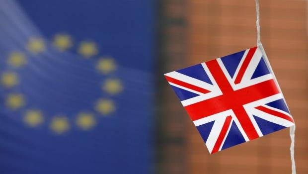 deux-nouveaux-sondages-donnent-le-camp-anti-brexit-en-tete