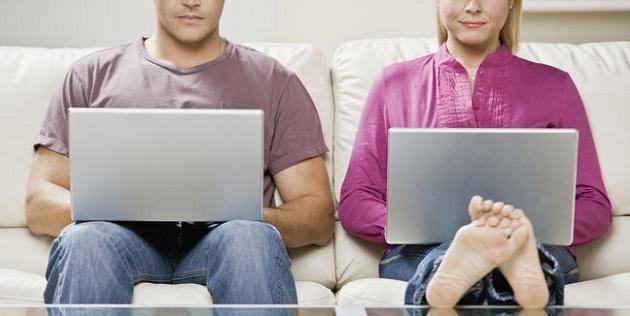 pareja_internet_630