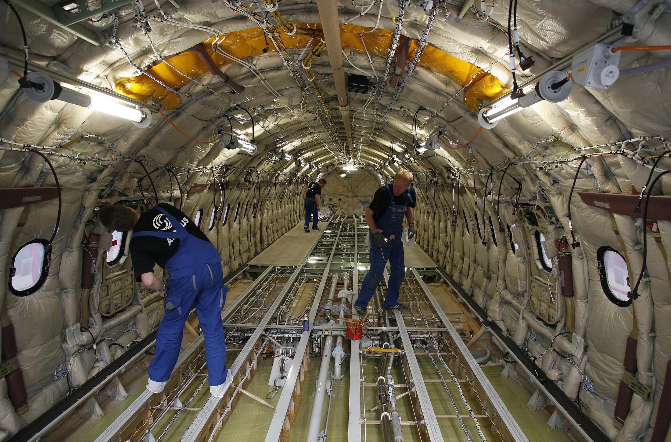 aerostructures-fuselage-airbus-assemblage-aeronautique-sous-traitants-aerien-avion