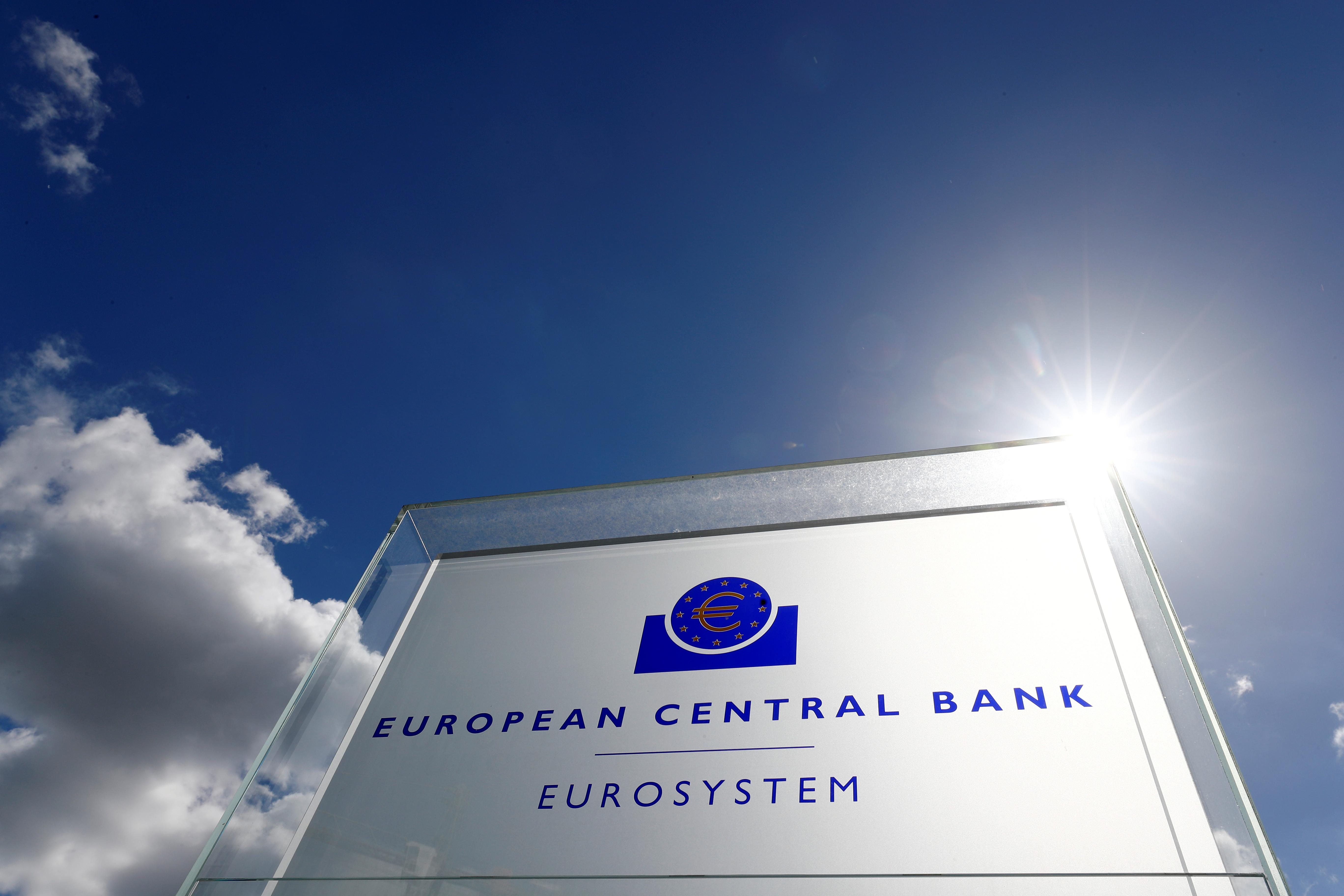 la-bce-favorable-a-une-fusion-entre-deutsche-bank-et-une-autre-banque-europeenne