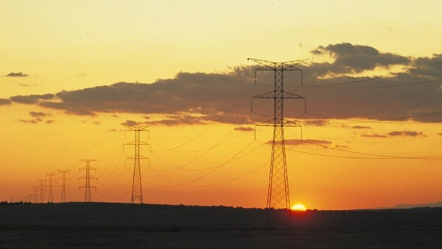 ep archivo - recurso de electricidad postes electricos