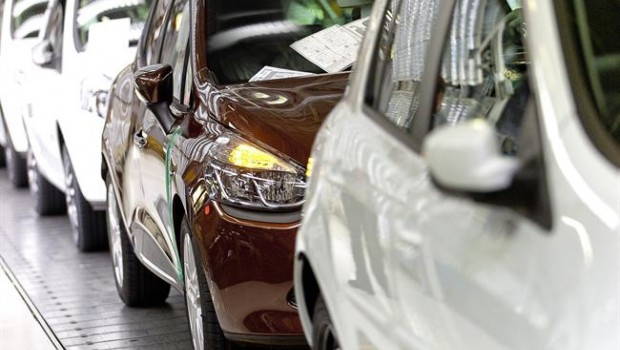 UK Car Registrations Decline In November: SMMT
