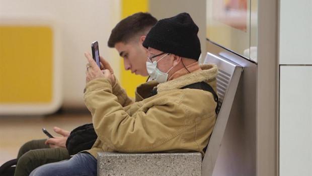 ep pasajeros en el aeropuerto adolfo suarez-madrid barajas tras anunciar este martes el consejo de
