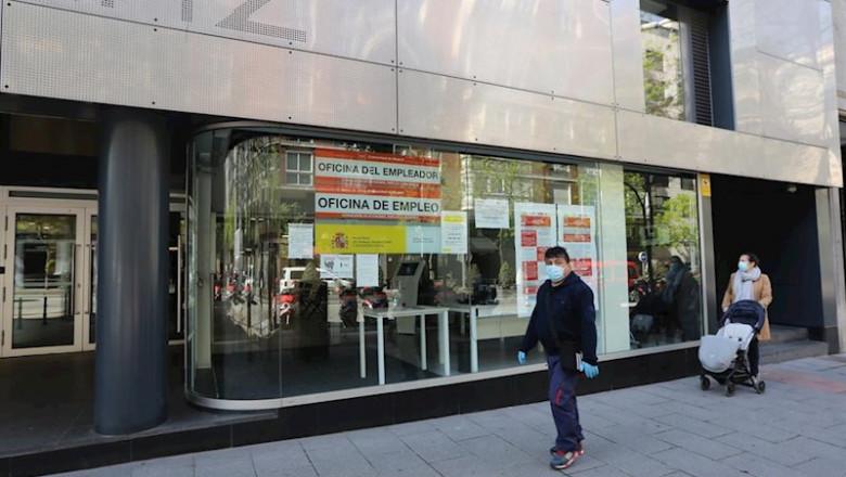 BBVA: derogar la reforma laboral ahora generaría
