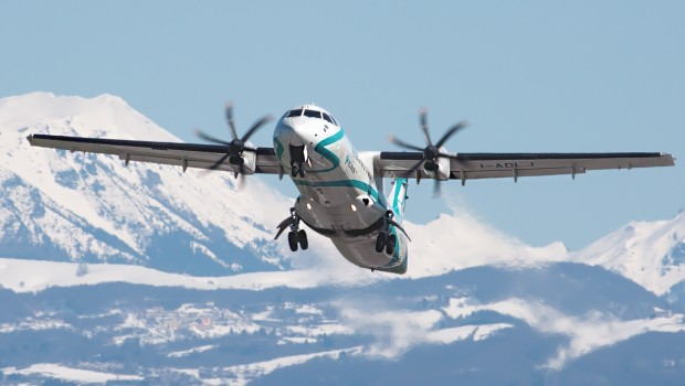 atr 72 turboprop aircraft airplane from below