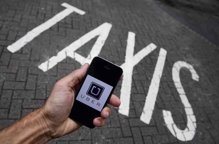 La guerra del taxi continúa abierta: ¿hay una burbuja especulativa en el sector de los VTC?