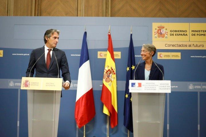 Francia aconseja no viajar a España por las medidas contradictorias del Gobierno
