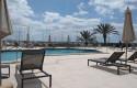 ep piscina con la separacion de dos metros entre hamacas del hotel melia palma marina