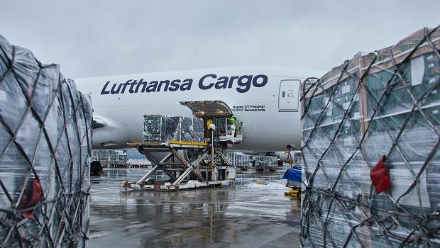 lufthansa cargo airlift to uk xmas 2020