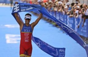 ep triatleta espanol mario mola celebratriunfolas series mundiales