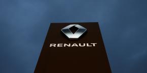 renault-logo-borne-ghosn-totem-marque-arrestation-constructeur-automobile-japon-nissan