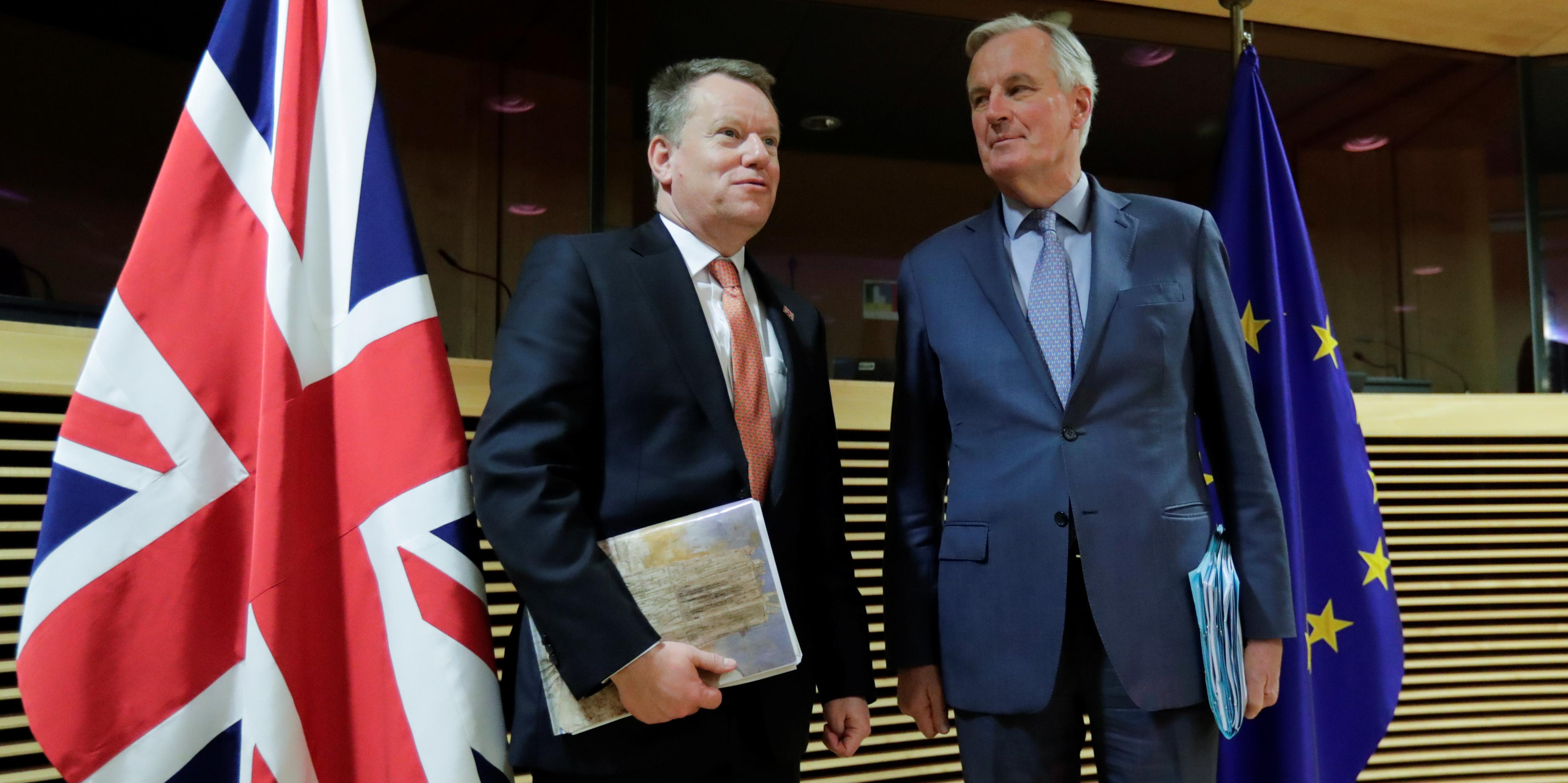 brexit-michel-barnier-a-dr-negociateur-en-chef-de-l-union-europeenne-ue-et-son-homologue-britannique-david-frost-a-g