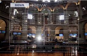 ep valores de la bolsa de madrid espana a 16 de noviembre de 2020 el ibex 35 subia un 2 en torno a