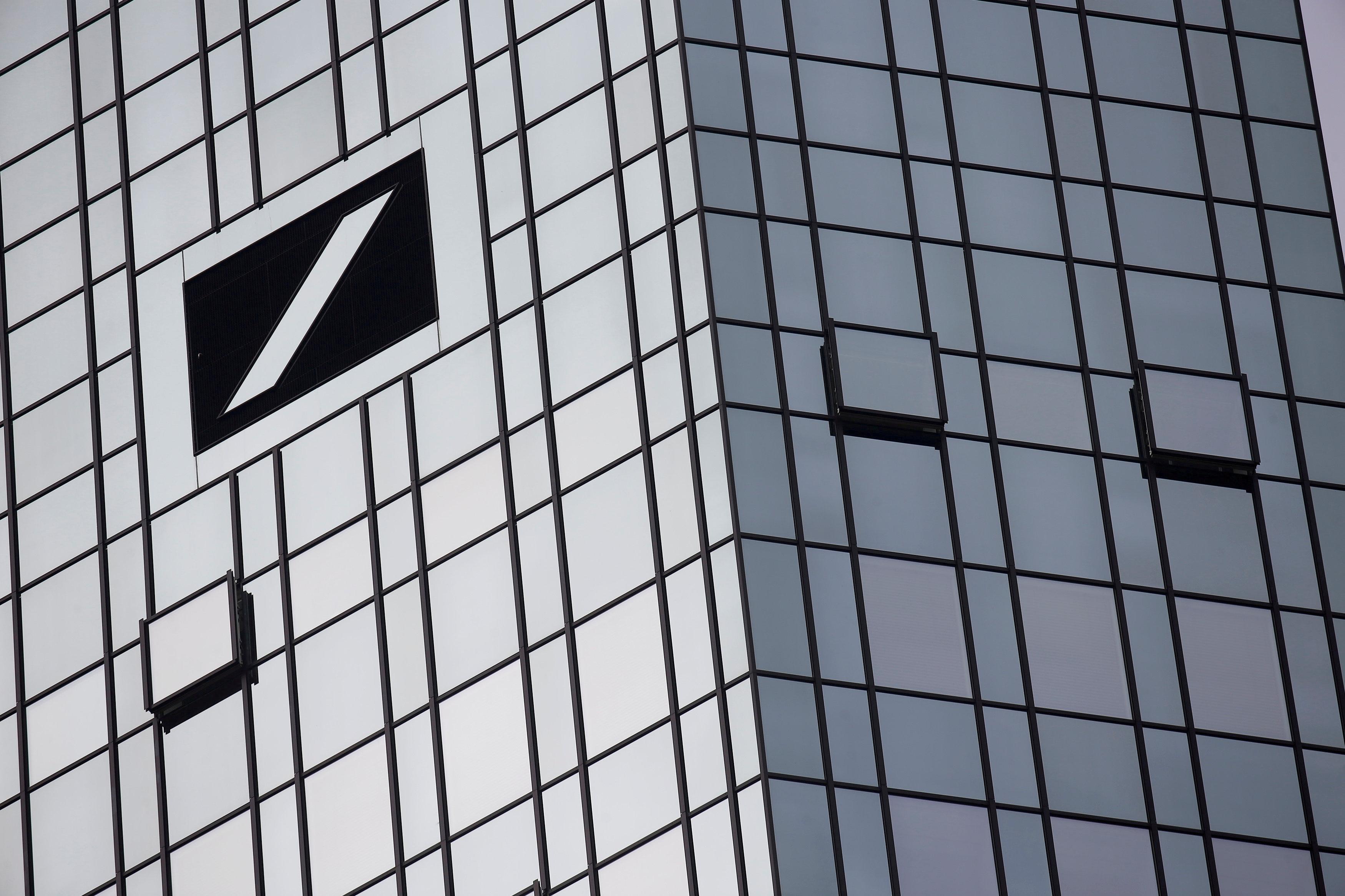 deutsche-bank-le-conseil-discutera-de-coupes-d-effectifs-le-7-juillet