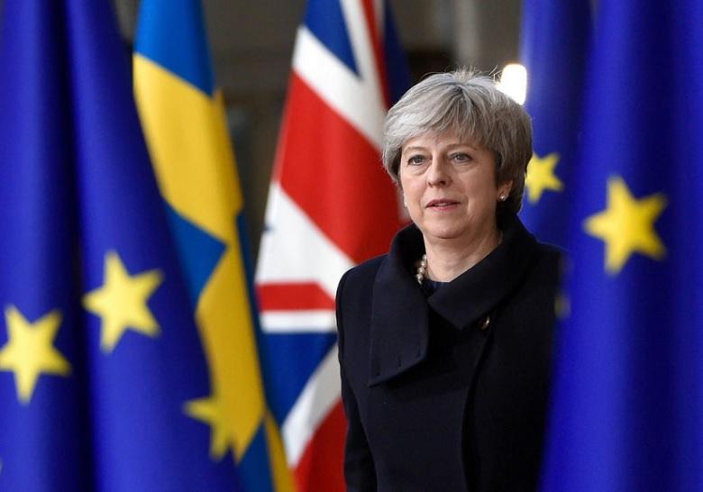 theresa may brexit banderas