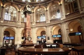 ep archivo   interior del palacio de la bolsa donde el ibex 35 en madrid espana
