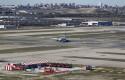 ep aeropuerto barajas pistaaterrizajedespegue pista vistaaeropuertobarajasla torrecontrol avionaerolineas unided