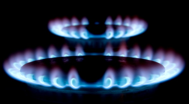 Theresa May vows to cap rip-off energy bills with price cap