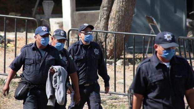 ep las autoridades federalesestatales mexicanaslocalizarcadaveresuna fosa