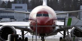 b737-max-8-norwegian-avion-aerien-aeronautique-helsinki-airport-finlande