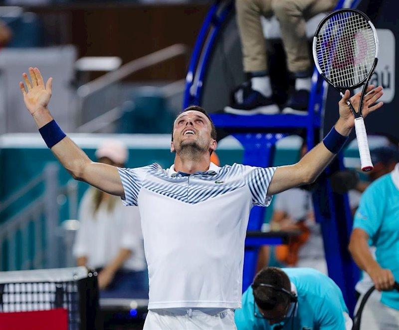 ep el tenista espanol roberto bautista celebra una victoria