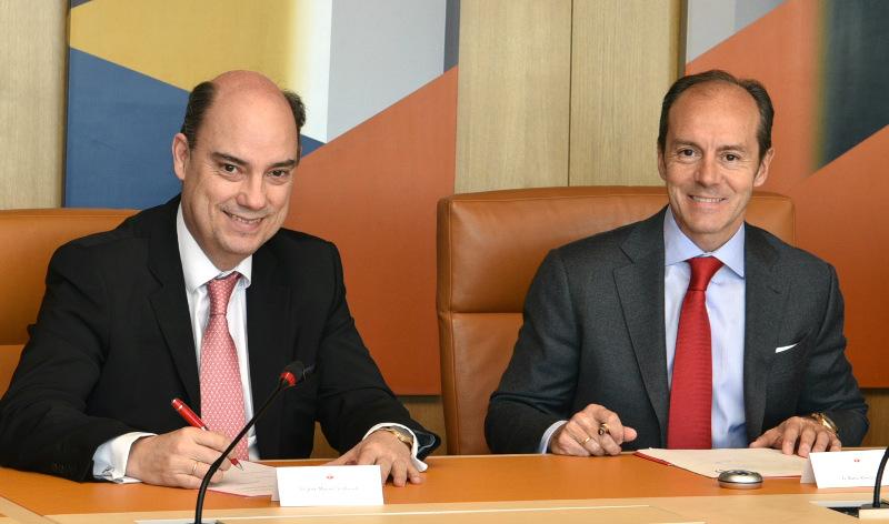 Santander venderá en exclusiva los seguros de coches de Mapfre hasta 2037
