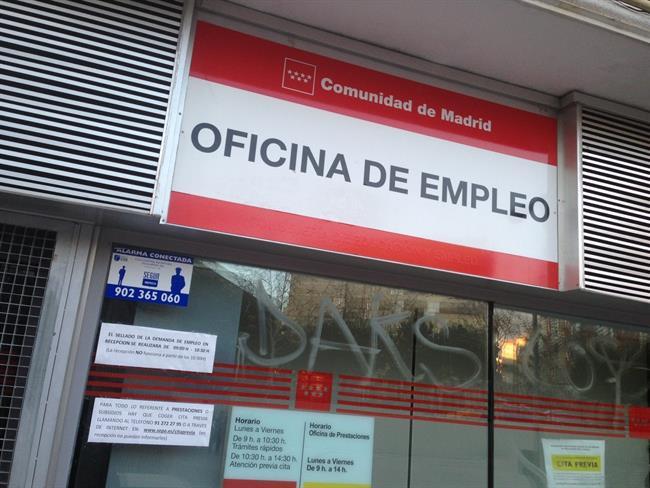 El paro cae en personas en febrero y registra el for Oficina virtual de empleo inem