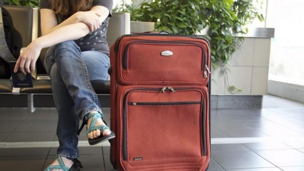 maleta aeropuerto gente