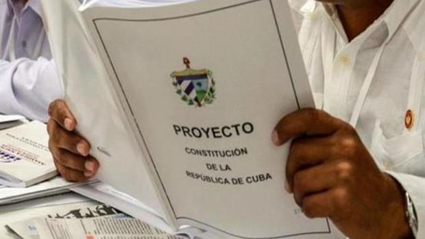 Cubanos comienzan debate sobre Constitución
