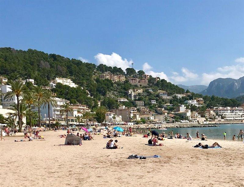ep puerto de soller turismo turistas playa mallorca verano vacaciones
