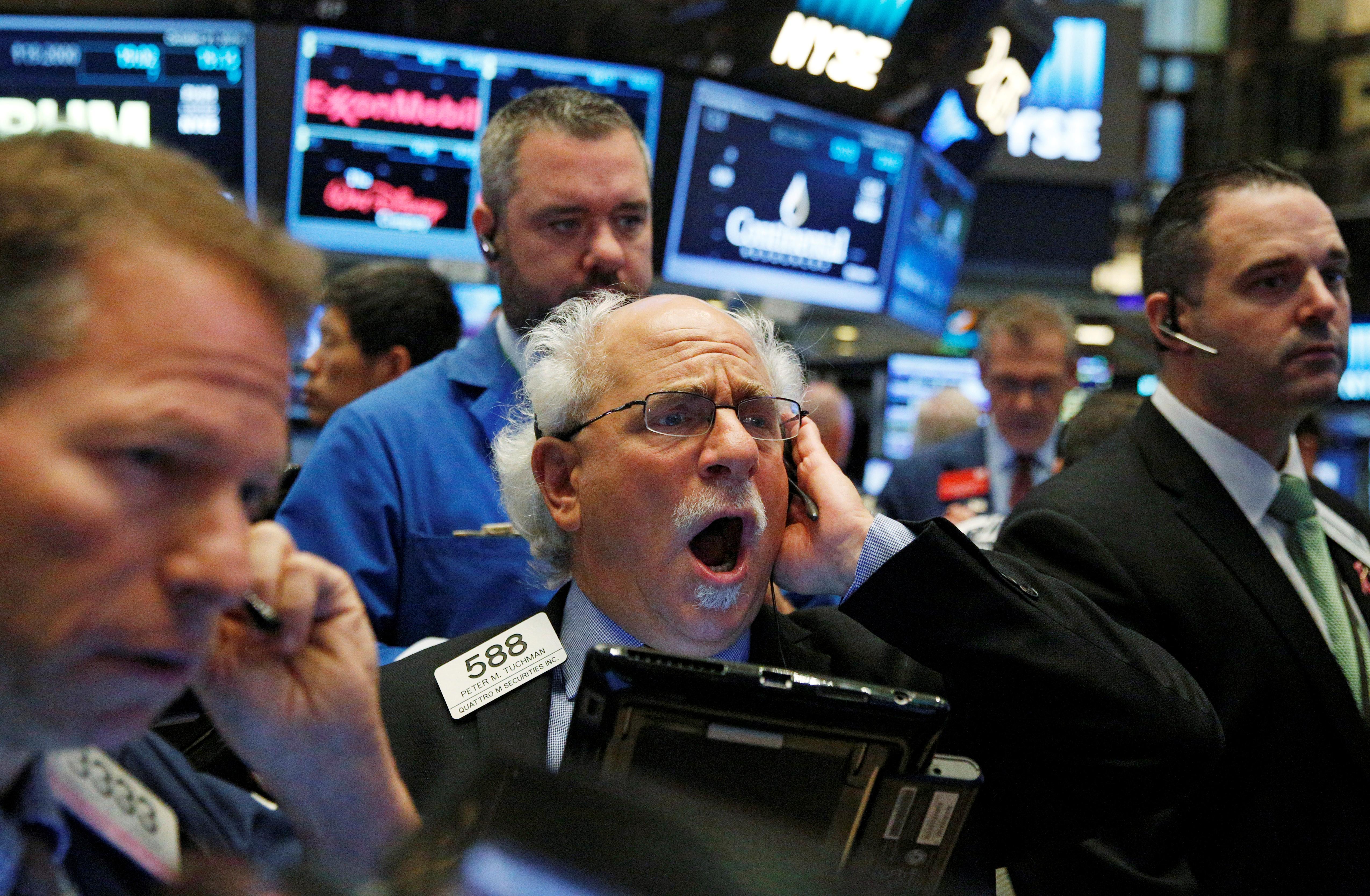 Wall Street cierra mixto: el Nasdaq marca récords pero Home Depot lastra al Dow