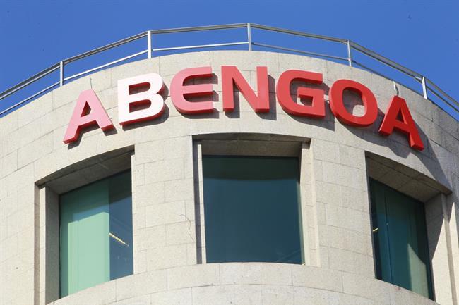 Abengoa consigue 50 millones en financiación y no cobrará al Estado lo que le debe