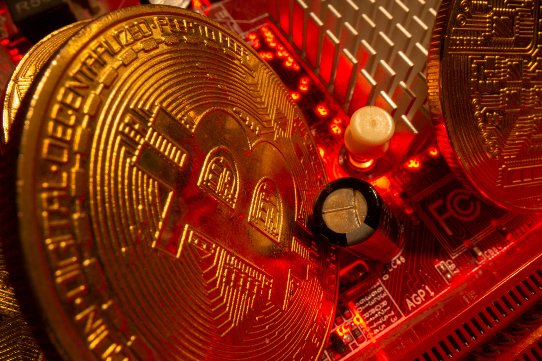 https://img5.s3wfg.com/web/img/images_uploaded/a/d/le-bitcoin-poursuit-sa-chute_rsz.jpg