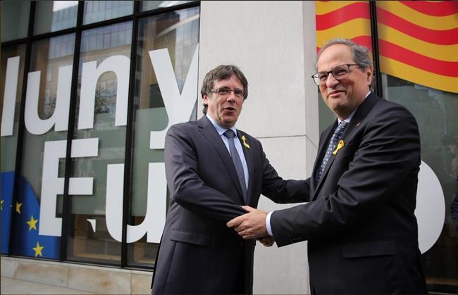 Puigdemont deja el apoyo a los Presupuestos en manos de los grupos parlamentarios del PDeCAT y ERC