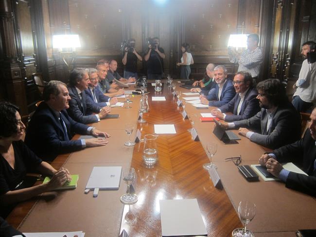 Gobierno celebrar el mi rcoles un consejo de ministros for Adolfo dominguez acciones