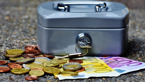 guardar-dinero-en-casa