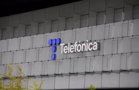 ep archivo   edificio de la sede de telefonica en madrid
