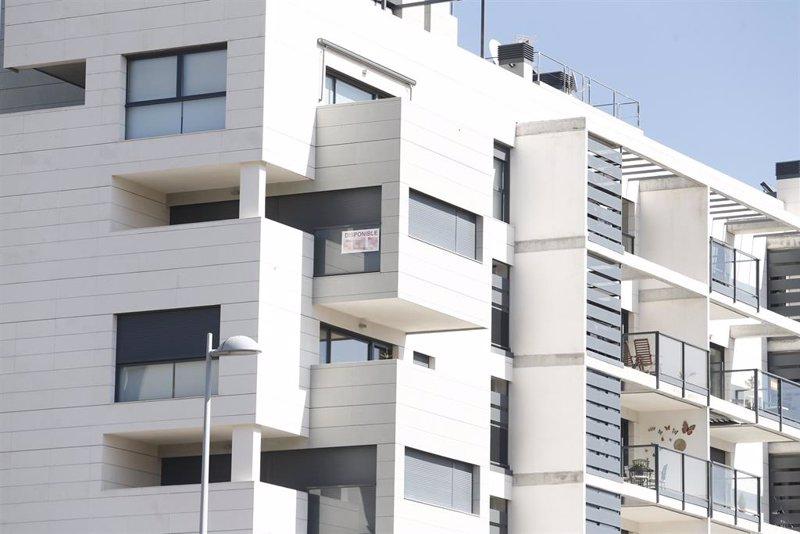 La firma de hipotecas sobre viviendas marca mínimos, desciende un 7,6% en 2020
