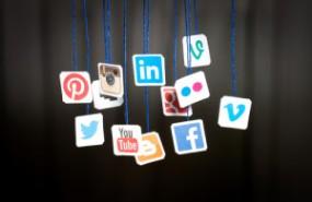 redes-sociales-para-encontrar-trabajo-300x200