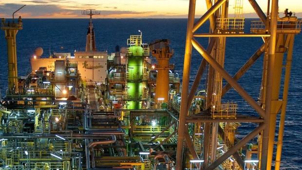 royal dutch shell dl oil rig platform crude brent wti 1