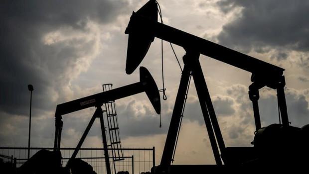 Oil price rises to $40