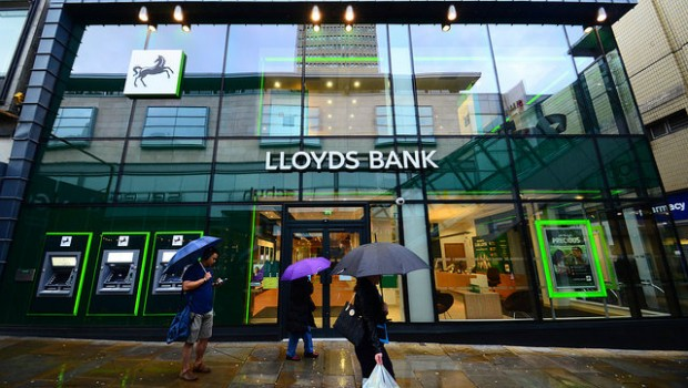 Lloyds Bank to give £4bn back to shareholders